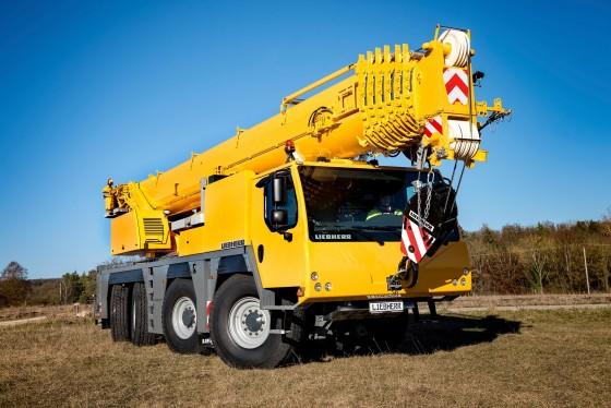 liebherr-mobile-crane-ltm-1090-4.2-02-300dpi