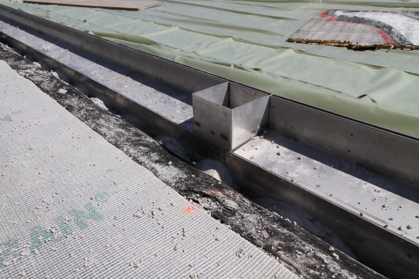 02 Kombination mit Edelstahlunterteil vor dem betonieren_IMG_8977