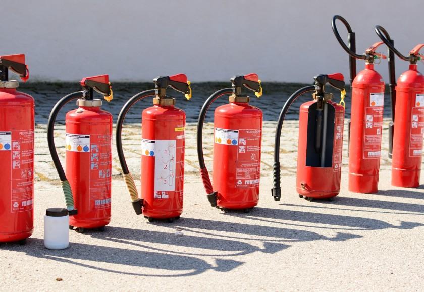 fire-extinguisher-712975
