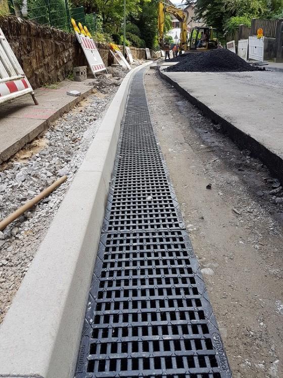 Strassenentwässerung mit Hydroblock 300 Fahrrad-tauglich